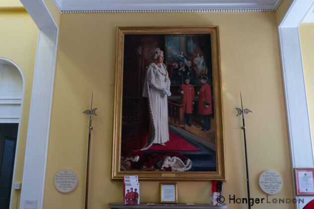Stunning Portrait of the Queen from more recent times. It is guarded by the Chelsea Pensioners Museum a fantastic haven
