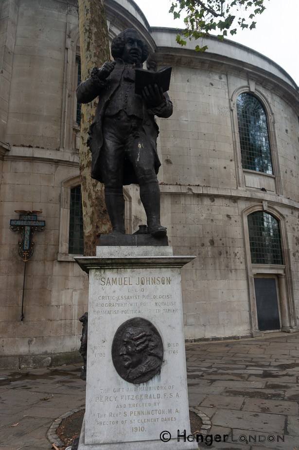 Samuel Johnson Statue at the back of the RAF church St Clement Danes Strand, London WC2R 1DH