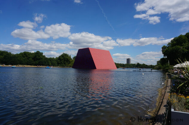 600 tonne Art in the Serpentine - The London Mastaba 3
