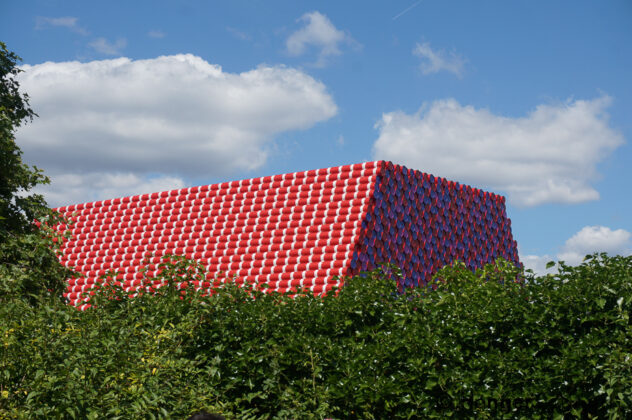 600 tonne Art in the Serpentine - The London Mastaba 2