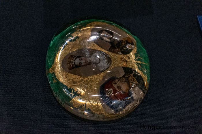 Paperweight c 1855 glass with prints of the 3 allied leaders in the Crimean War