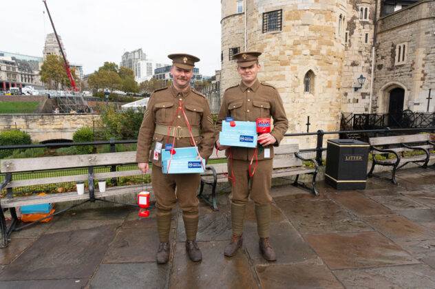 ww1 Soldiers at the tower of London Poppy Day