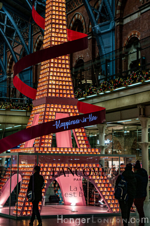 The Eiffel tower comes to st pancras